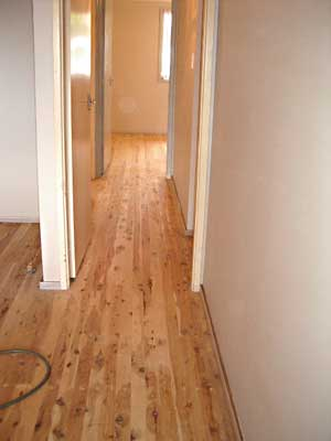Amaze floor sanding polishing sydney australia for Australian cypress hardwood flooring reviews